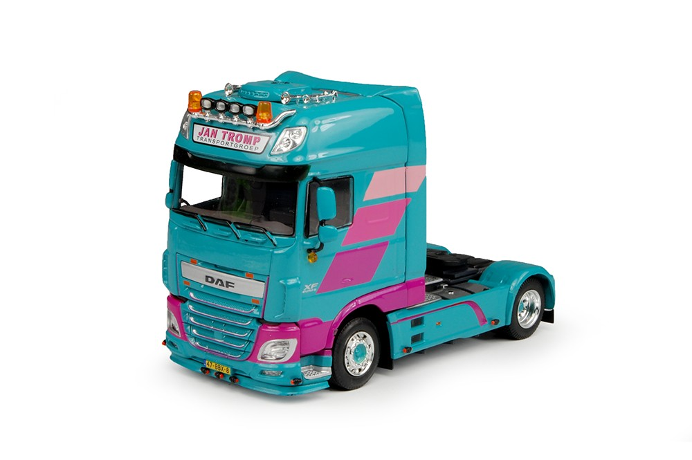 WSI Model Jan Tromp DAF Euro 6 XF Super Space Cab