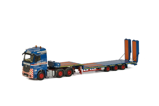 Seeland Mercedes-Benz Actros StreamSpace Semi Lowloader with Ramps
