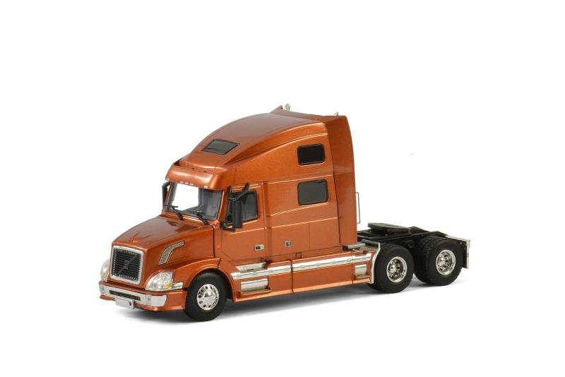 USA Basic Line VOLVO VN 780 6x4 BRONZE , Van WSI Models