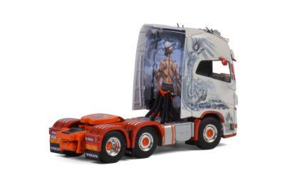 Floro VOLVO FH4 GLOBETROTTER XL 6×2 TWIN STEER , Van WSI Models