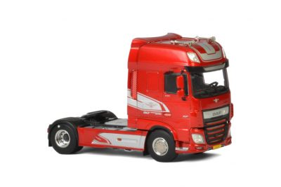 Premium Line DAF XF SUPER SPACE CAB MY2017 RED , Van WSI Models