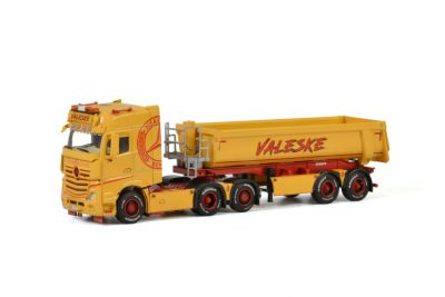 Valeske MERCEDES BENZ ACTROS MP4 BIG SPACE 6×2 TAG AXLE , van WSI Models