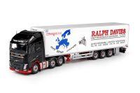 Tekno 70149 Davies Ralph Volvo FH4 met koeloplegger