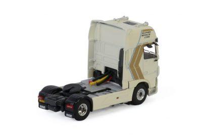 Premium Line DAF XF SUPER SPACE CAB MY2017 4X2 , Van WSI Models