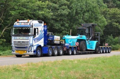 Van Wijgerden VOLVO FH4 GLOBETROTTER 8X4 LOW LOADER 4 AXLE | DOLLY 2 AXLE , Van WSI Models